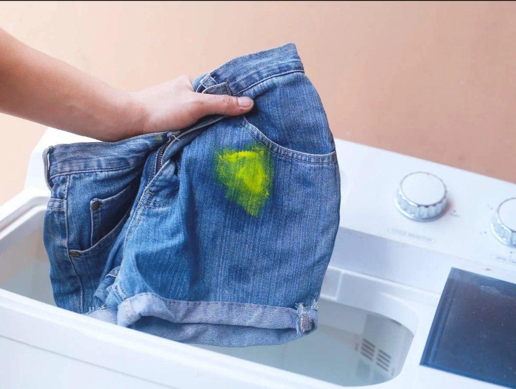 вивести фарбу з одягу в хімчистці