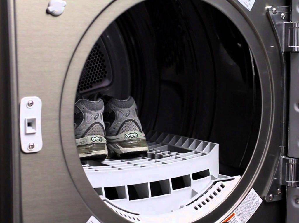 Как правильно стирать и сушить обувь?