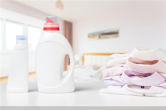 Як правильно прати білі речі