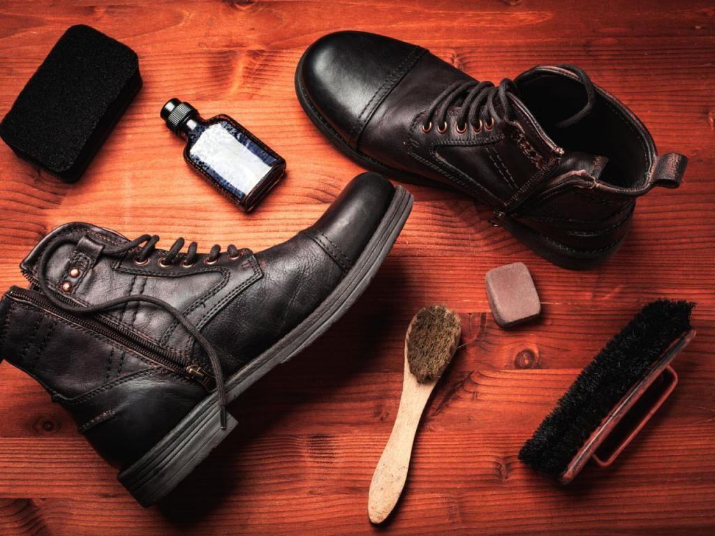 Як доглядати за шкіряним взуттям